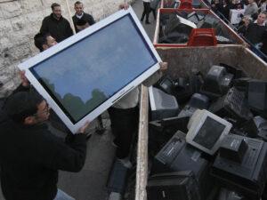 Скупка утилизация разбитых неисправных выкуп на запчасти Москве
